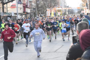 7,195 participants take part in the 70th running of the Troy Turkey Trot on Thanksgiving Day in Troy, NY. (Click image for high-res.)